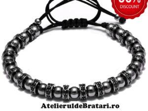 Bratara barbati cu Argint 925 rodiat cu rodiu negru si spatiatoare cu cristale Zirconia este ambalata intr-o cutie cadou si poate fi cadoul ideal pentru o zi aniversara sau onomastica.