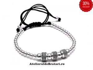 Bratara barbati cu Argint 925 cu 3 tuburi cu cristale zirconia este impletita manual. Bratara barbati cu Argint 925 cu 3 tuburi cu cristale zirconia este ambalata intr-o cutie cadou si poate fi cadoul ideal pentru o zi aniversara sau onomastica.