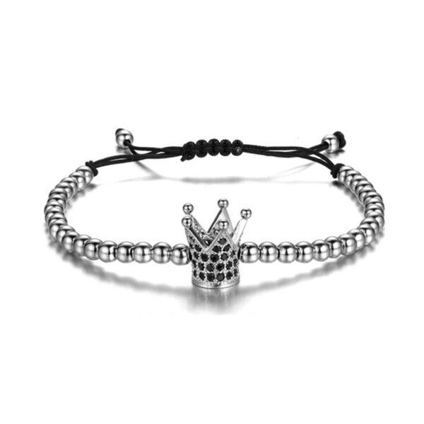 Bratara dama cu Argint 925 cu coronita este impletita manual. Bratara de dama cu Argint 925 cu coronita este ambalata intr-o cutie cadou si poate fi cadoul ideal pentru o zi aniversara sau onomastica.