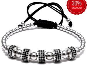 Bratara barbati cu Argint 925 cu 5 tuburi cu cristale zirconia este impletita manual. Bratara barbati cu Argint 925 cu 5 tuburi cu cristale zirconia este ambalata intr-o cutie cadou si poate fi cadoul ideal pentru o zi aniversara sau onomastica.