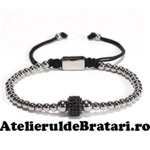 Bratara barbati cu Argint 925 cu 1 tub negru cu cristale zirconia este impletita manual. Bratara barbati cu Argint 925 cu 1 tub negru cu cristale zirconia este ambalata intr-o cutie cadou si poate fi cadoul ideal pentru o zi aniversara sau onomastica.