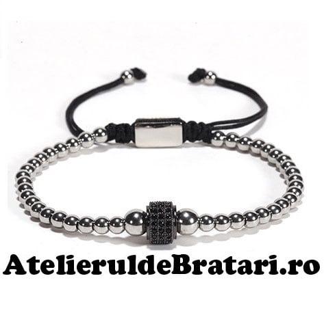 Bratara dama cu Argint 925 cu 1 tub negru cu cristale zirconia este impletita manual. Bratara dama cu Argint 925 cu 1 tub negru cu cristale zirconia este ambalata intr-o cutie cadou si poate fi cadoul ideal pentru o zi aniversara sau onomastica.